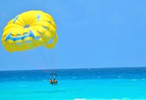 """Paragliding"" en Cancún"