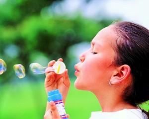 Nina sopland burbujas