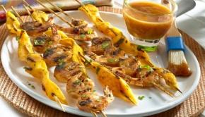 Pinchos de Camarones con Salsa de Guayaba