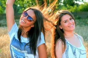 Amistad - Pixabay girls-846993_1280